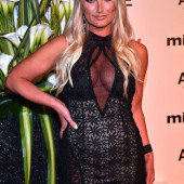 Brooke Hogan braless
