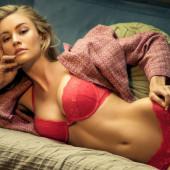 Bryana Holly body