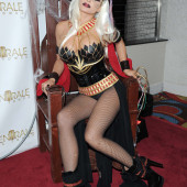 Carmen Electra body