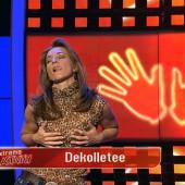 Caroline Beil dekolletee