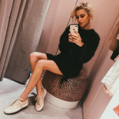 Caroline Daur selfie