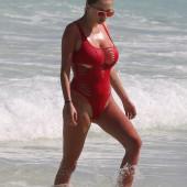 Caroline Vreeland beach