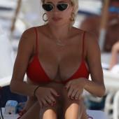 Caroline Vreeland tits