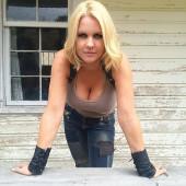 Carrie Keagan sexy