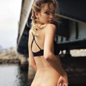 Cassie Amato pantyless