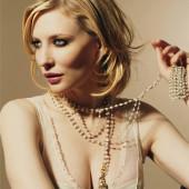Cate Blanchett dekollete
