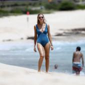 Chiara Ferragni beach