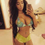 Chloe Khan facebook
