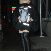 Christina Aguilera overknees