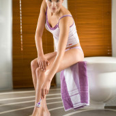 Christina Leibold feet
