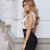 Cindy Prado sideboob