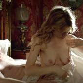 Clemence Poesy nackt szene