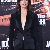 Cobie Smulders cleavage