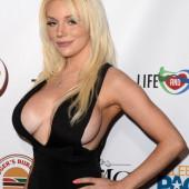 Courtney Stodden cleavage