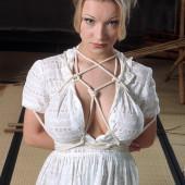 Daisy Van Heyden bondage