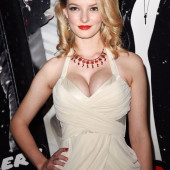 Dakota Blue Richards body