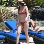 Dakota Johnson body
