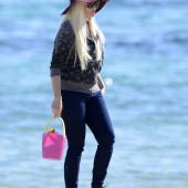 Daniela Katzenberger strand