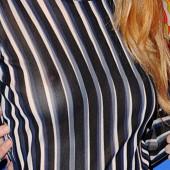 Danielle Haim braless