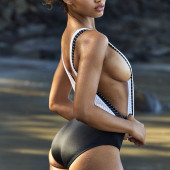 Danielle Herrington sideboob