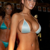 Davin Lexen bikini