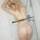 Delia Rose Phillips fully nude