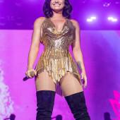 Demi Lovato koerper