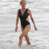 Diane Kruger beach