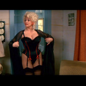 Dolly Parton nude scene