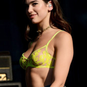 Dua Lipa hot