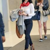 Eliza Dushku jeans