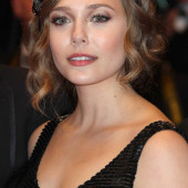 Elizabeth Olsen nipple