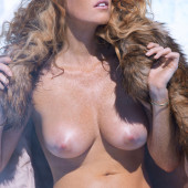 Elizabeth Ostrander topless
