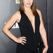 Elizabeth Rodriguez cleavage
