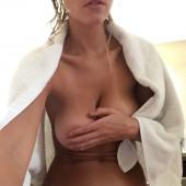 Elizabeth Turner leaked nudes