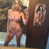 Elizabeth Turner selfie