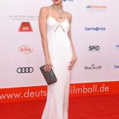 Emilia Schuele braless