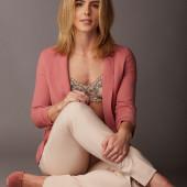 Emily Bett Rickards sexy
