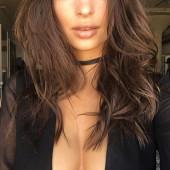 Emily Ratajkowski cleavage