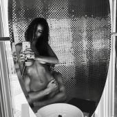 Emily Ratajkowski leaked nudes