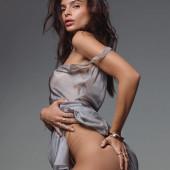 Emily Ratajkowski pantyless