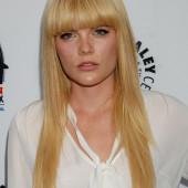 Emma Greenwell blond