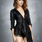 Emma Stone body
