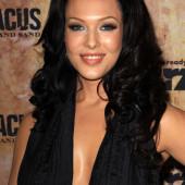 Erin Cummings cleavage