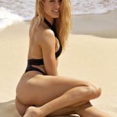 Eugenie Bouchard ass