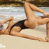Eugenie Bouchard legs