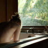 Evan Rachel Wood nipple