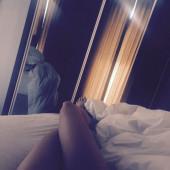 Faye Brookes nude photos