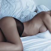 Fernanda Liz topless