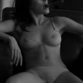 Funda Vanroy naked